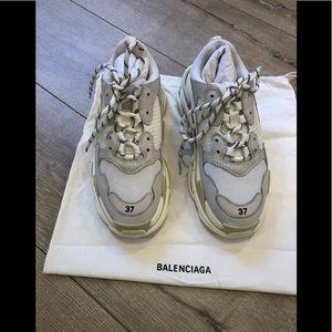 Balenciaga Women's Triple S 7